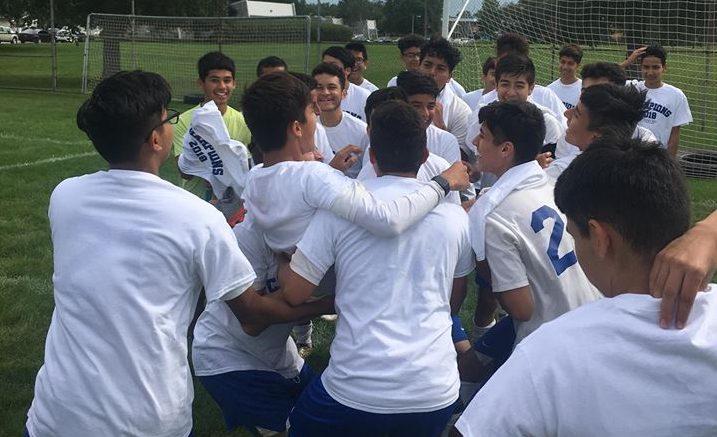 Players of Cristo Rey soccer team. /Photo: Courtesy V. Castrejon