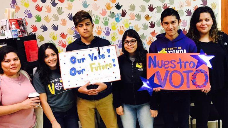 Los jóvenes tienen en sus manos el poder de cambiar la política. /Foto: Cortesía Mano a Mano